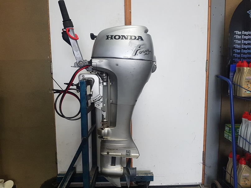 Honda 8 Pk 4 Takt Langstaart Electrische start.