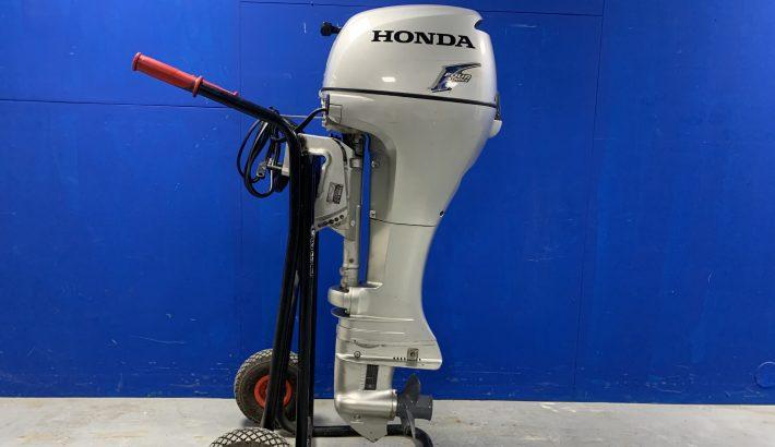Honda 8 pk 4 takt. Elektrische start. Langstaart.
